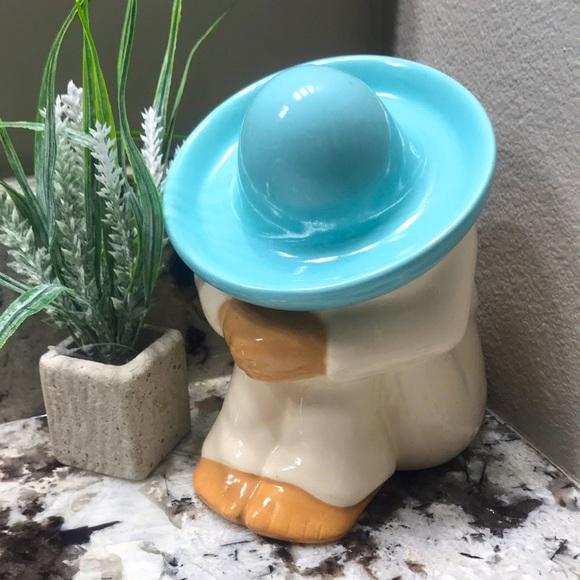 Vtg 1970s Ceramic Kneeling Man In Sombrero
